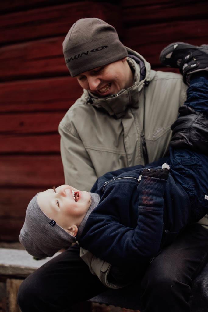 2018-12-15-FotografSusannAlmandin-Familjefotografering vid Sörmlandsgården_0353