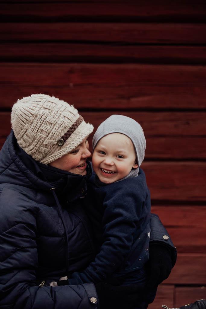2018-12-15-FotografSusannAlmandin-Familjefotografering vid Sörmlandsgården_0366