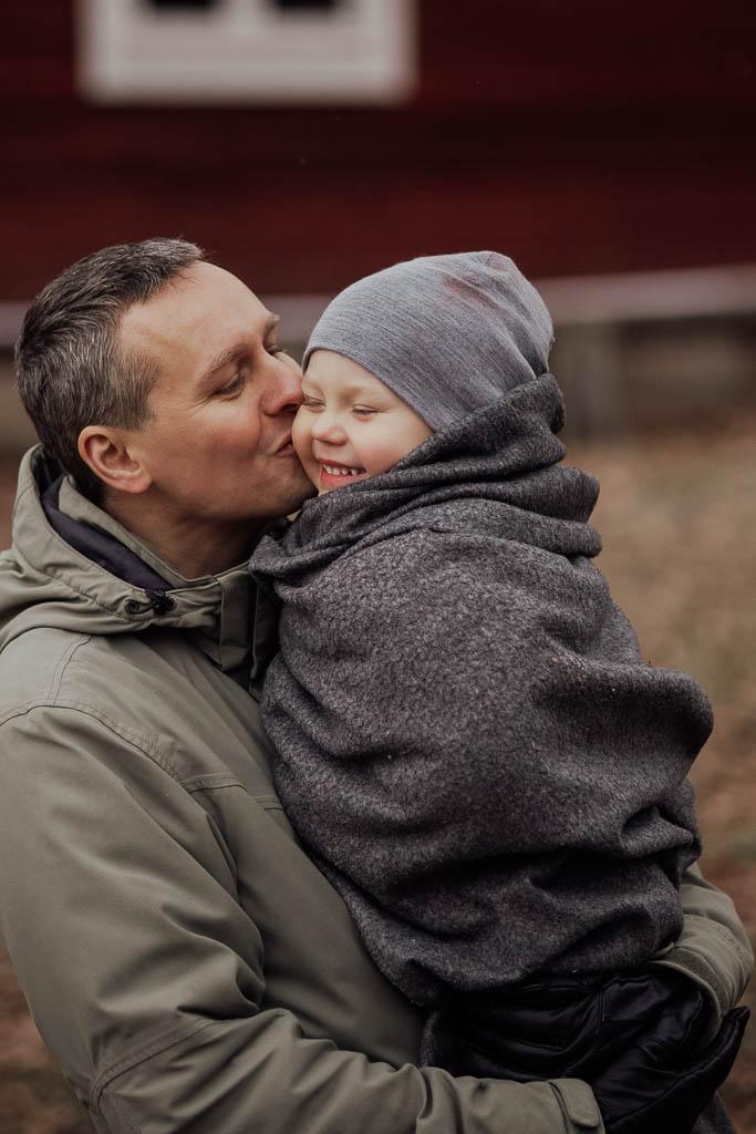 2018-12-15-FotografSusannAlmandin-Familjefotografering vid Sörmlandsgården_0478