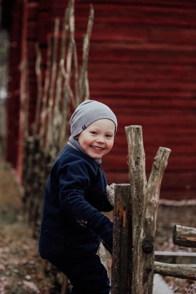 2018-12-15-FotografSusannAlmandin-Familjefotografering vid Sörmlandsgården_0193